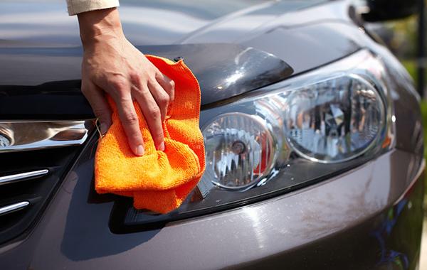 Vehicle Headlight Cleaning
